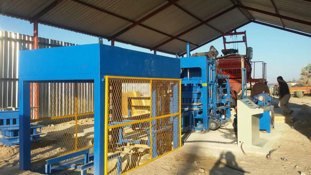 纳米比亚QTY6-15 block machine in Namibia (4)