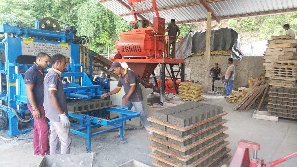 QTY4-15 Block making machine (5)