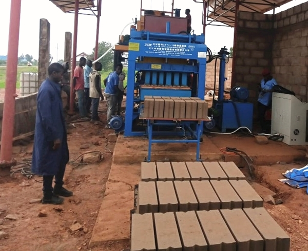 QTY4-15 block machine installed in Tanzania